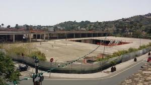 Edificio de aparcamientos y plaza pública