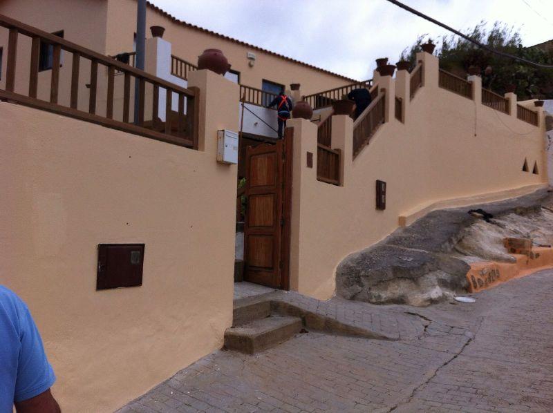 Imagen de la fachada del centro losero de La Atalaya