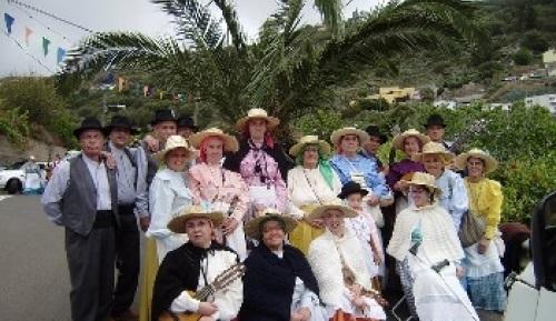 Agrupación Folclórica La Zarzalera