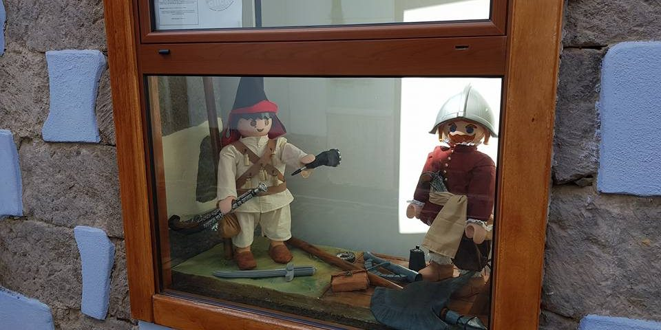 Representación de un miliciano y un soldado holandés