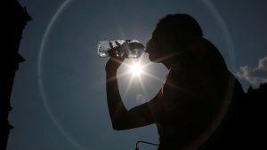Se recomienda evitar el sol e hidratarse frecuentemente