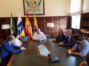 Un aspecto de la reunión de los responsables municipales y la delegación rotaria