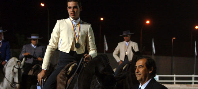 Aridane Alonso recibe la Medalla de Doma de Canarias