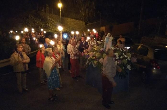 Un acto religioso en las fiestas de El Gamonal