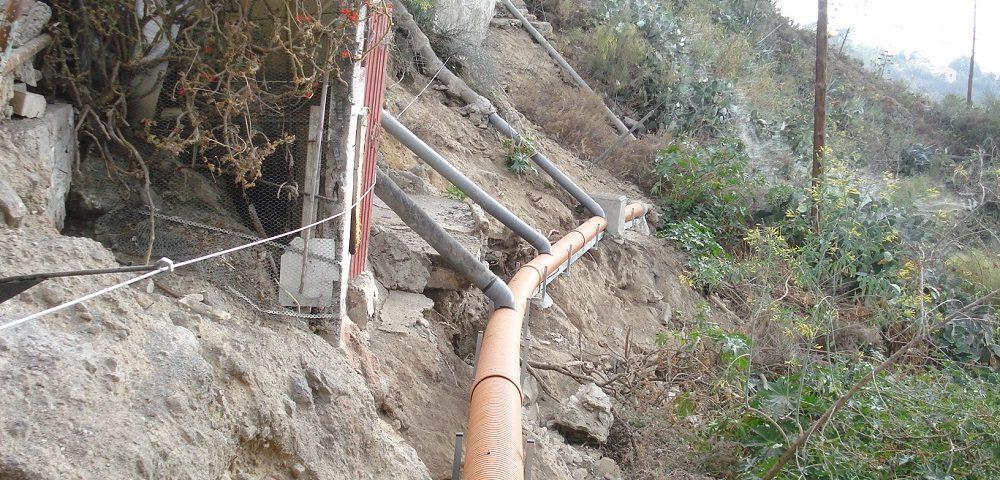 Nuevas tuberías de plástico instaladas en La Atalaya