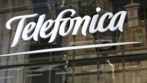 La compañía Telefónica mantiene un año más el servicio de móviles del Ayuntamiento