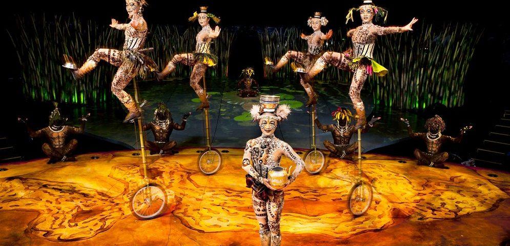 Una escena del espectáculo Totem del Circo del Sol