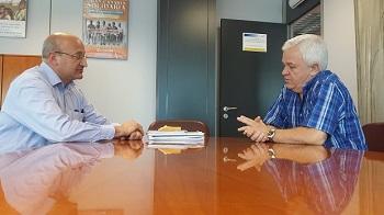 El alcalde, José Armengol, con el consejero de Cooperación, Carmelo Ramírez, en una imagen de archivo.
