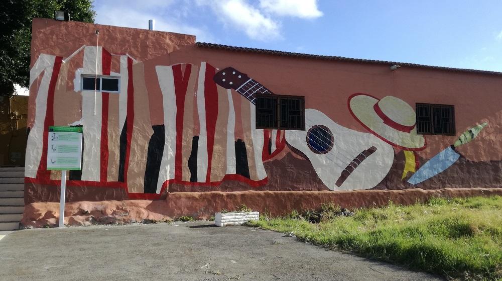 Fachada del local municipal de Pino Santo Bajo